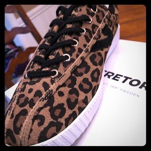 Tretorn tennis shoes